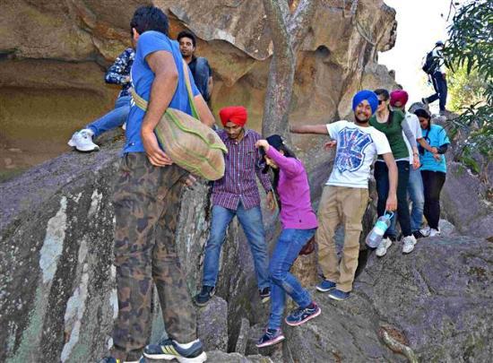 trekking-hiking-mount