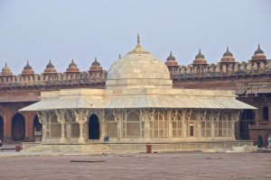 golden-triangle-tour-at-fatehpur-sikari