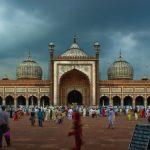 Visit Delhi And Its Famous Monuments