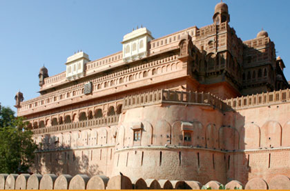 Jaipur Bikaner Car Rental